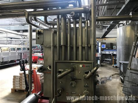 Used KHS Glass bottle line for still and carbonated