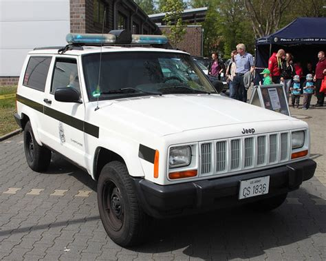 Military Police Cherokee | A Jeep Cherokee at the Tag der