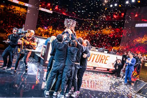 Riot Considering League of Legends World Cup - CheckpointXP
