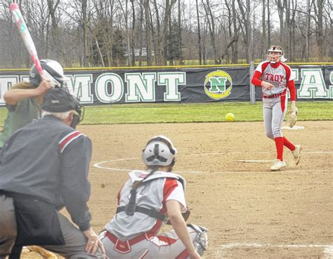 Troy rally falls short - Troy Daily News