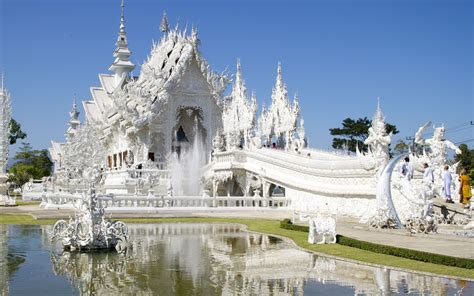 Wat Rong Khun – The White Temple in Thailand | Brain Berries