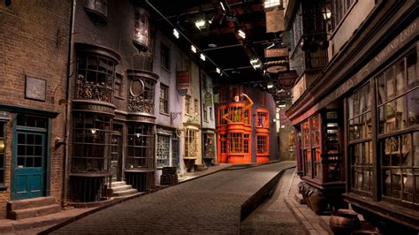 The Magic Never Ends: Diagon Alley Opens at The Wizarding