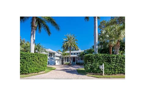 Bay Island Shores home sells for $2
