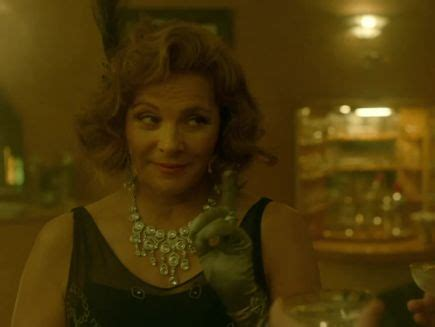 Watch Kim Cattrall Goes Full Samantha in Exclusive Clip